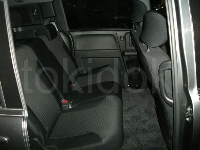 Бардачок между передними сиденьями — Клуб Honda Freed